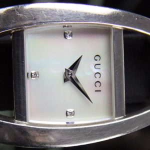 Silber Gucci Lady Watch VK
